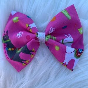 Lama hair bow